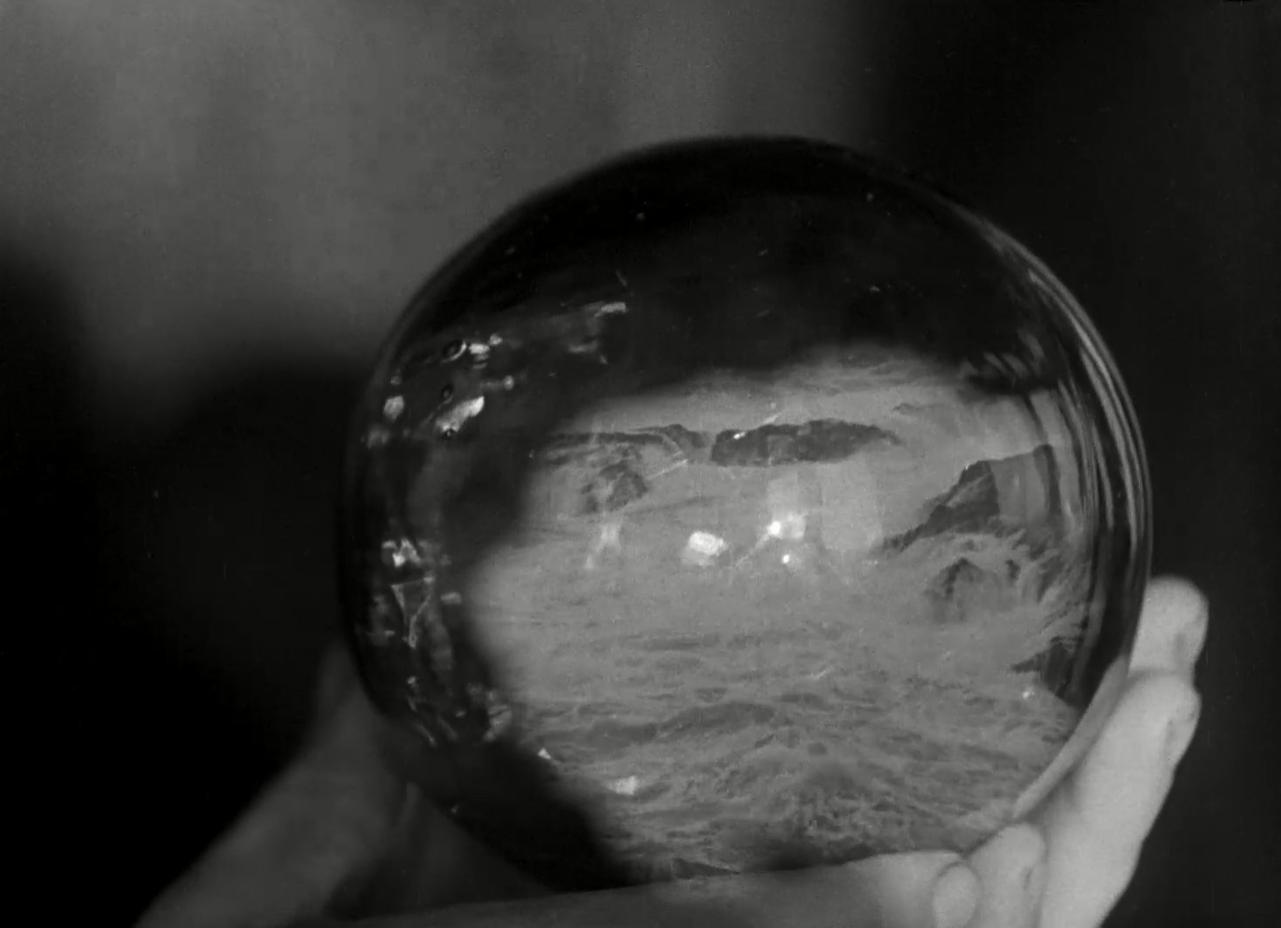 """Fotograma de la película """"La Tempestad"""" de Jean Epstein."""