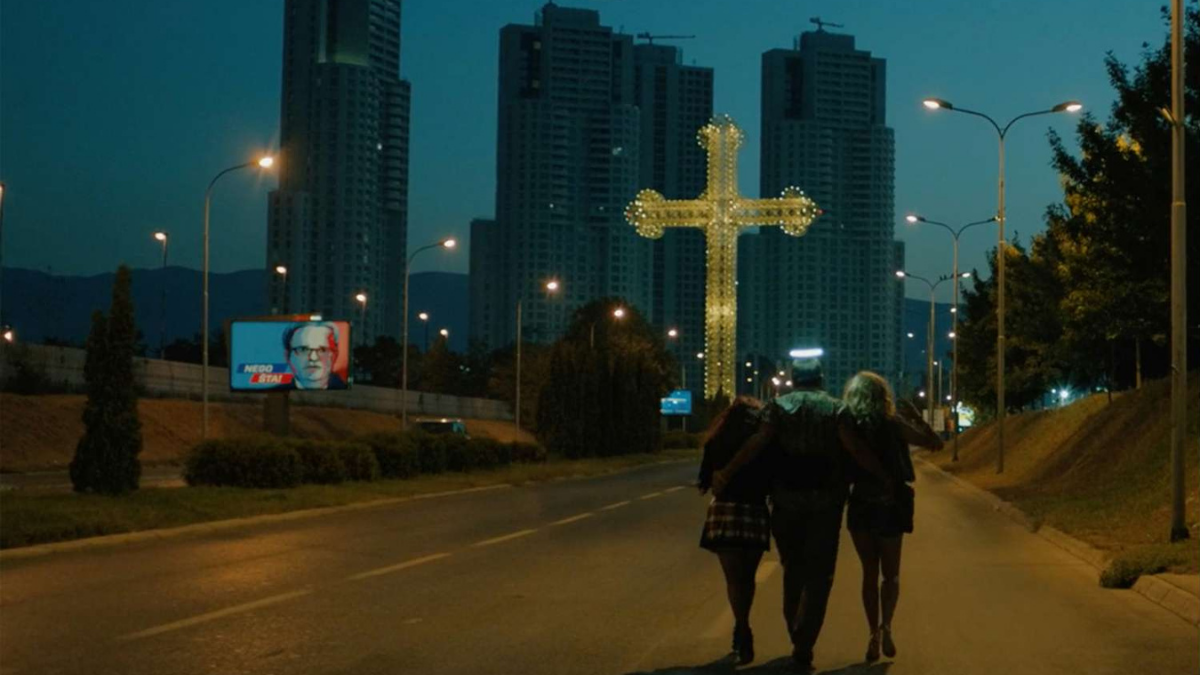 """Fotograma de la película """"Heavens Above"""" de  Srđan Dragojević."""