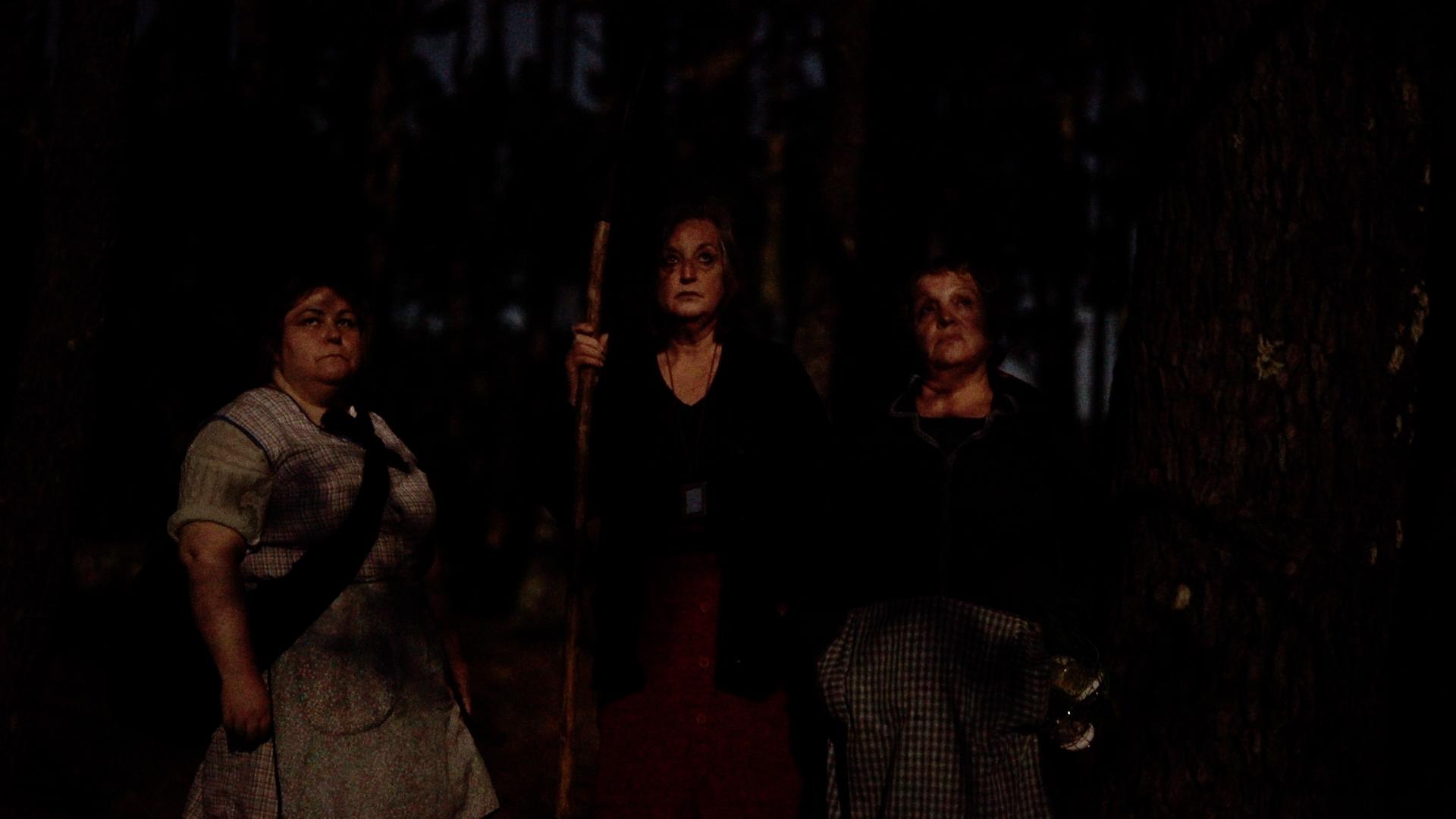 Fotograma de la película Luna Roja de Lois Patiño.