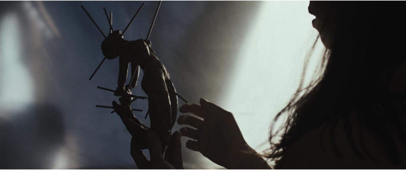 Fotograma de la película The Night House de David Bruckner, protagonizada por Rebecca Hall.