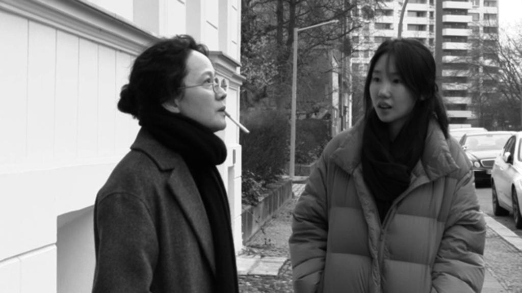 """Fotograma de la película """"Introduction"""" (2021) de Hong Sang-soo"""